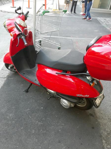 2013 Daelim Besbi Scooter for sale
