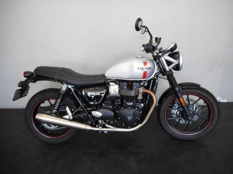 2017 TRIUMPH STREET TWIN EX-DEMO