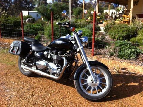 Triumph America Motor Bike