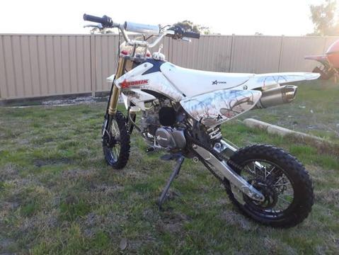 Atomik nitrous 160cc dirt bike