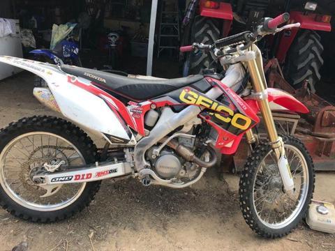 CRF 250 Dirt bike