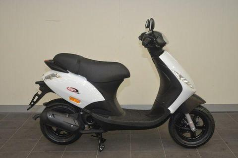 2017 Piaggio ZIP 50 2T Road Bike 49cc