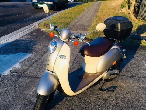 Honda Scooter - Crea Scoopy