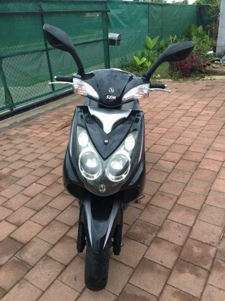 150cc SYM Scooter