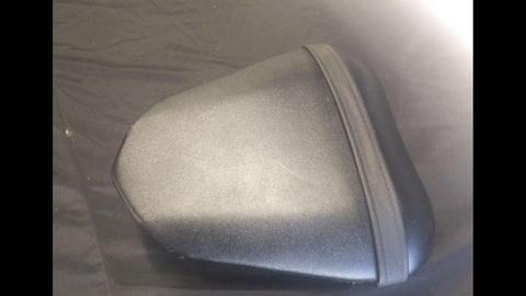 Yamaha r6 rear/pillion seat 08-16