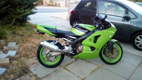 Kawasaki Zx600j