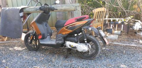 Moped Aprilia SR50