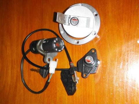 Aprilia rs125 2011 model lock set. Also have some other parts