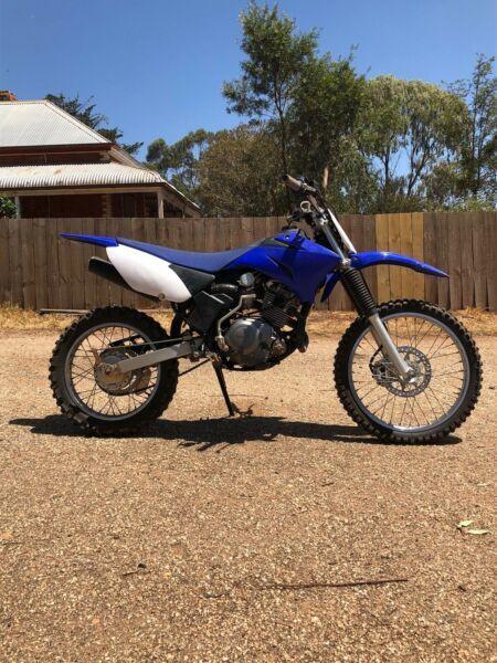 Yamaha R 125 - Brick7 Motorcycle