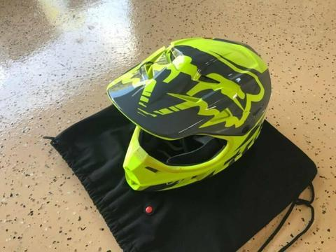 Fox Youth V1 MX Helmet - Medium