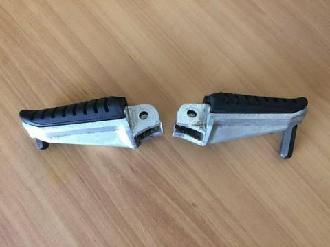 OEM Foot Pegs - Suzuki V-Strom DL650 DL1000******2011
