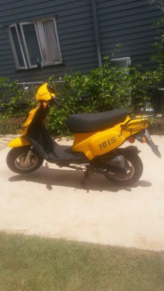 50 cc Scooter