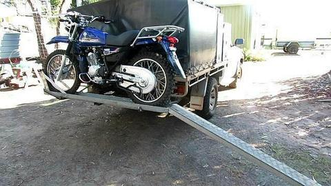 Yamaha TF 125 Motor bike and Carrier