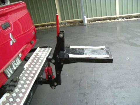 motor cycle lifter to fit into towbar of any vehicle