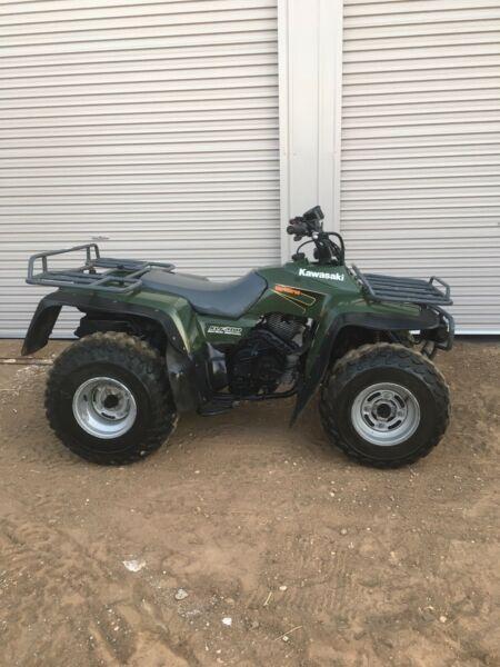 Kawasaki KLF300 ATV 4 Wheeler