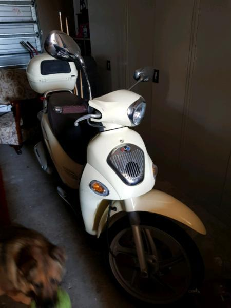 125cc kymco scooter