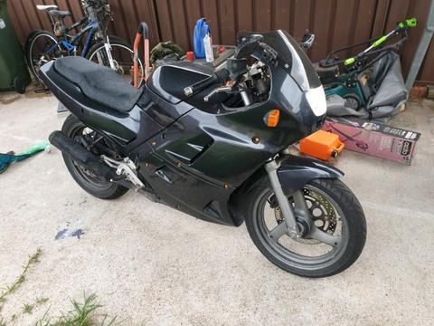 1996 gsx250f across