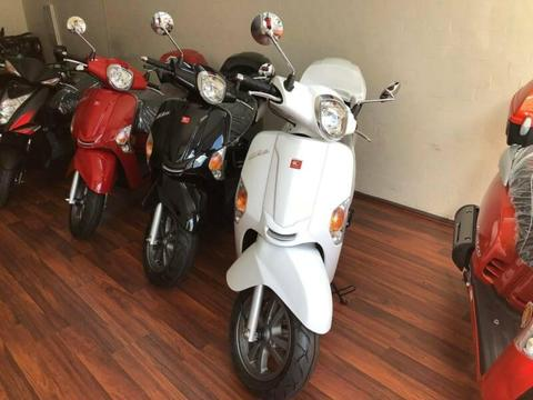 KYMCO LIKE 125 Run out sale, Helmet, Jacket 12 months rego