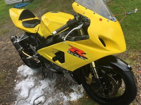 Suzuki GSXR 600 Track Bike