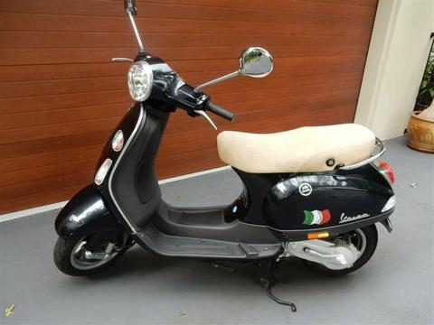 Vespa LX50 Motor Scooter in brilliant condition