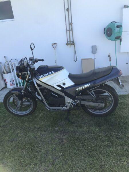Honda VTZ 250 Road Bike