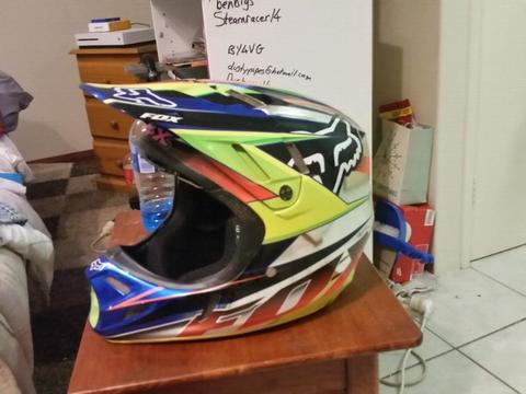 Fox V4 Carbin Fibre Helmet