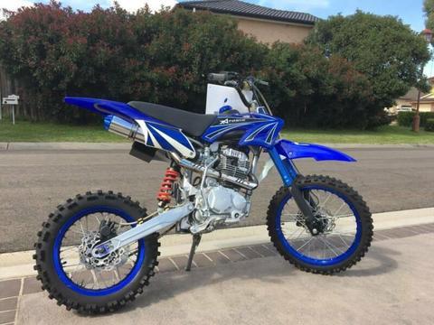 Atomik 250cc pitbike