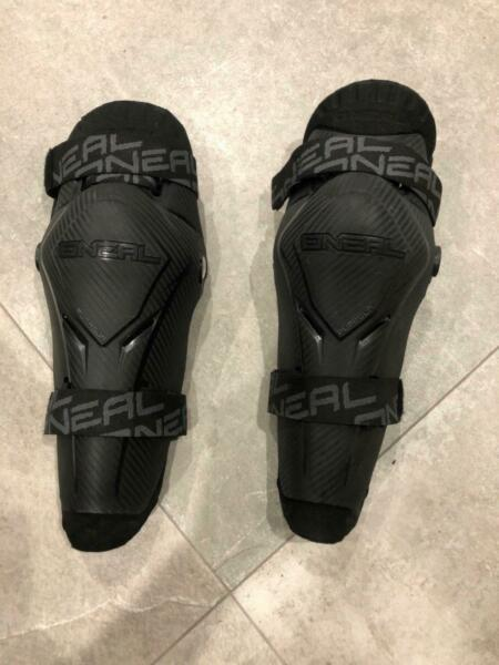 Knee guards ONEAL