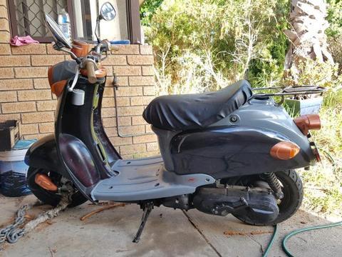 Vmoto milan scooter
