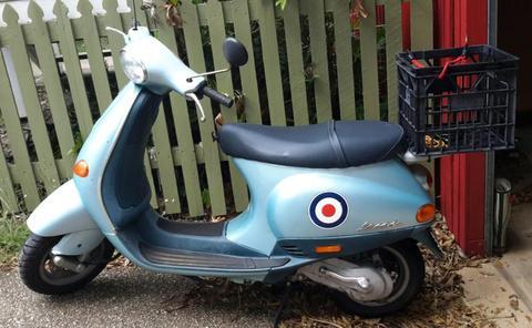 Vespa ET2 50cc scooter
