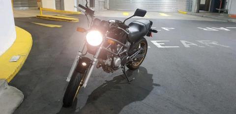 Black Honda VTR 250 R LAMS
