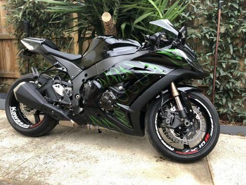 Kawasaki ZX10R 1000cc superbike