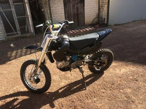 Atomik 125 Pit Bike