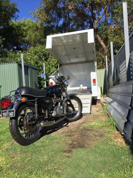 Triumph T150 750 cc T140 Bonneville