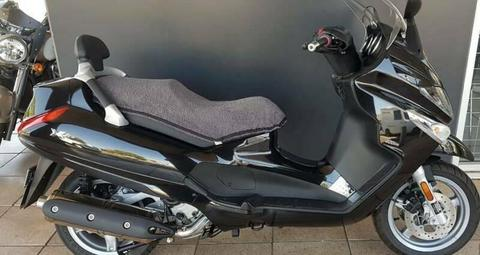 2011 Piaggio Xevo 400 Scooter - Stock Number 100666