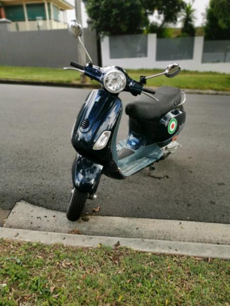 2006 Vespa Piaggio (50cc)