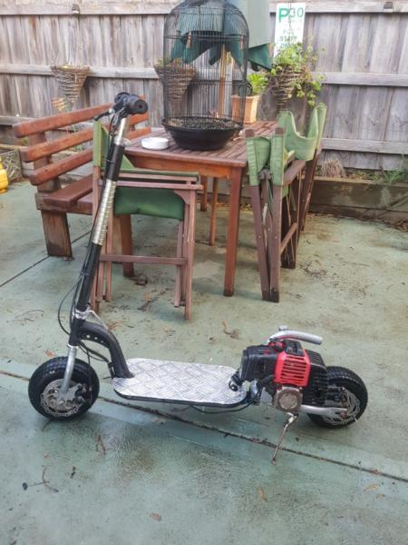 Petrol scooter 49cc perfect condition