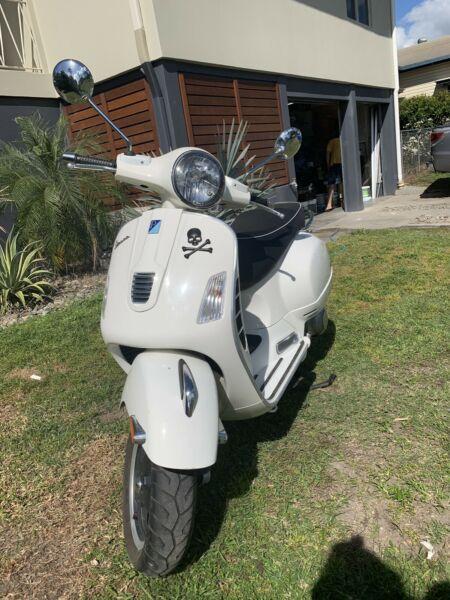 2011 Vespa 300GTS