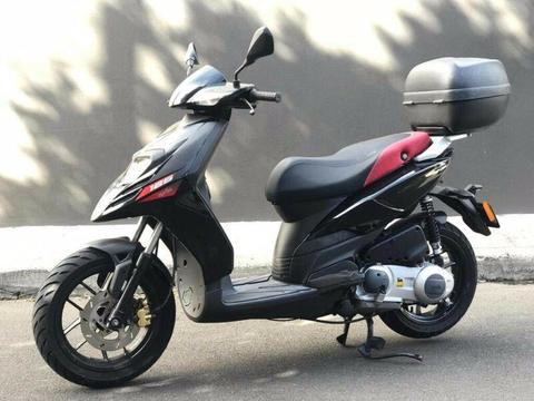 2017 APRILIA 125 SR MT 125 SCOOTER