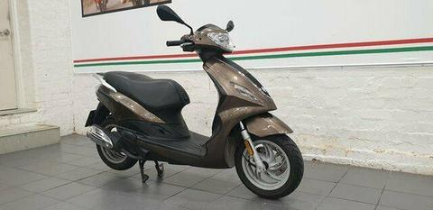 2013 Piaggio FLY 150 IE Road Bike 151cc