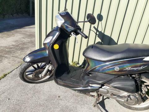 Symphony 150cc scooter