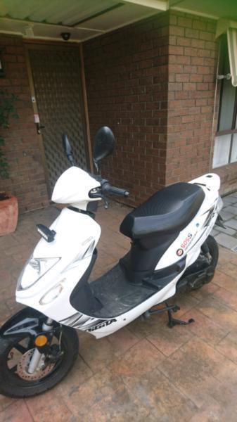 Scooter, 2014 Baotian ZOOT 505S, 49 cc