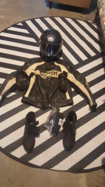 Triumph moto gear