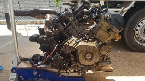 800cc canam 2007 renegade engine & box