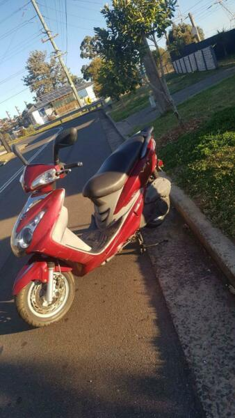 Bolwell sym 125cc scooter