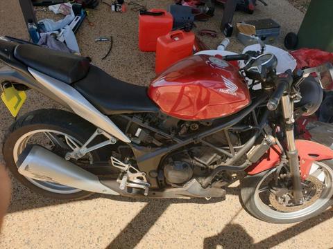 Honda CBR250r naked