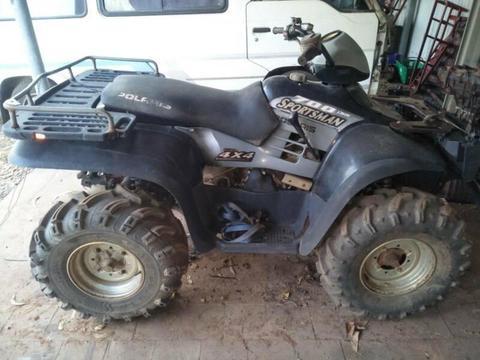 Polaris 700cc 4x4 quad