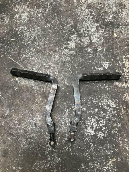 Chopper / bobber foot pegs