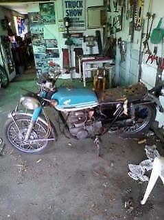 Honda 1973 CB 250 x 2 motorbike