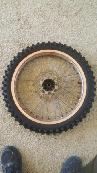 Dirt bike tyre and rim